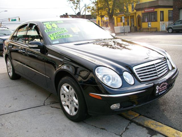 Picture of a 2004 Mercedes-Benz E-Class
