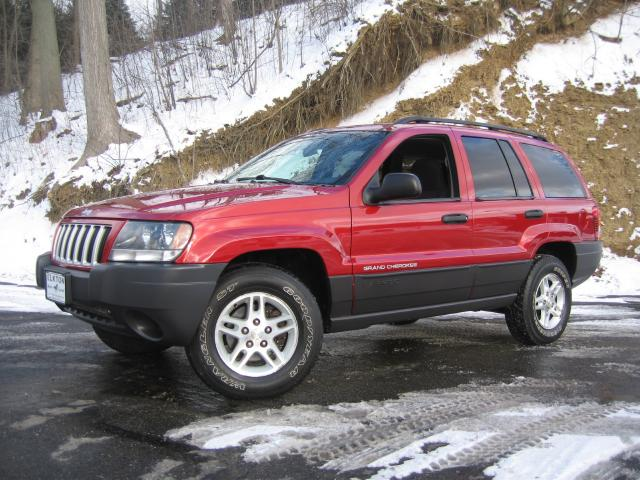 Picture of a 2004 Jeep Grand Cherokee