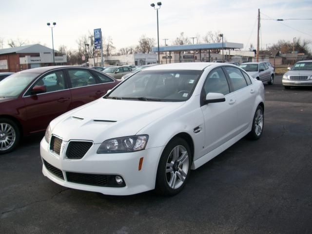 Picture of a 2008 Pontiac G8